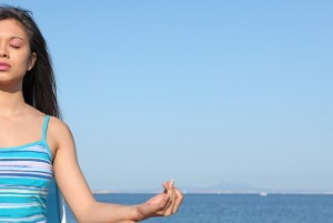girl meditating_13921295