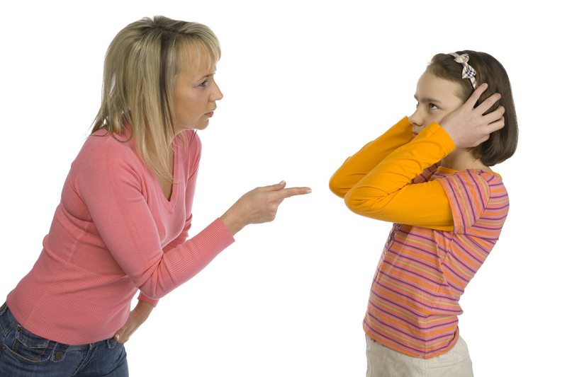 arguing-tween-mom-2229798